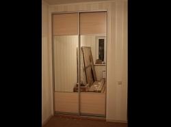 Двери-купе с зеркалом Строгий функционал